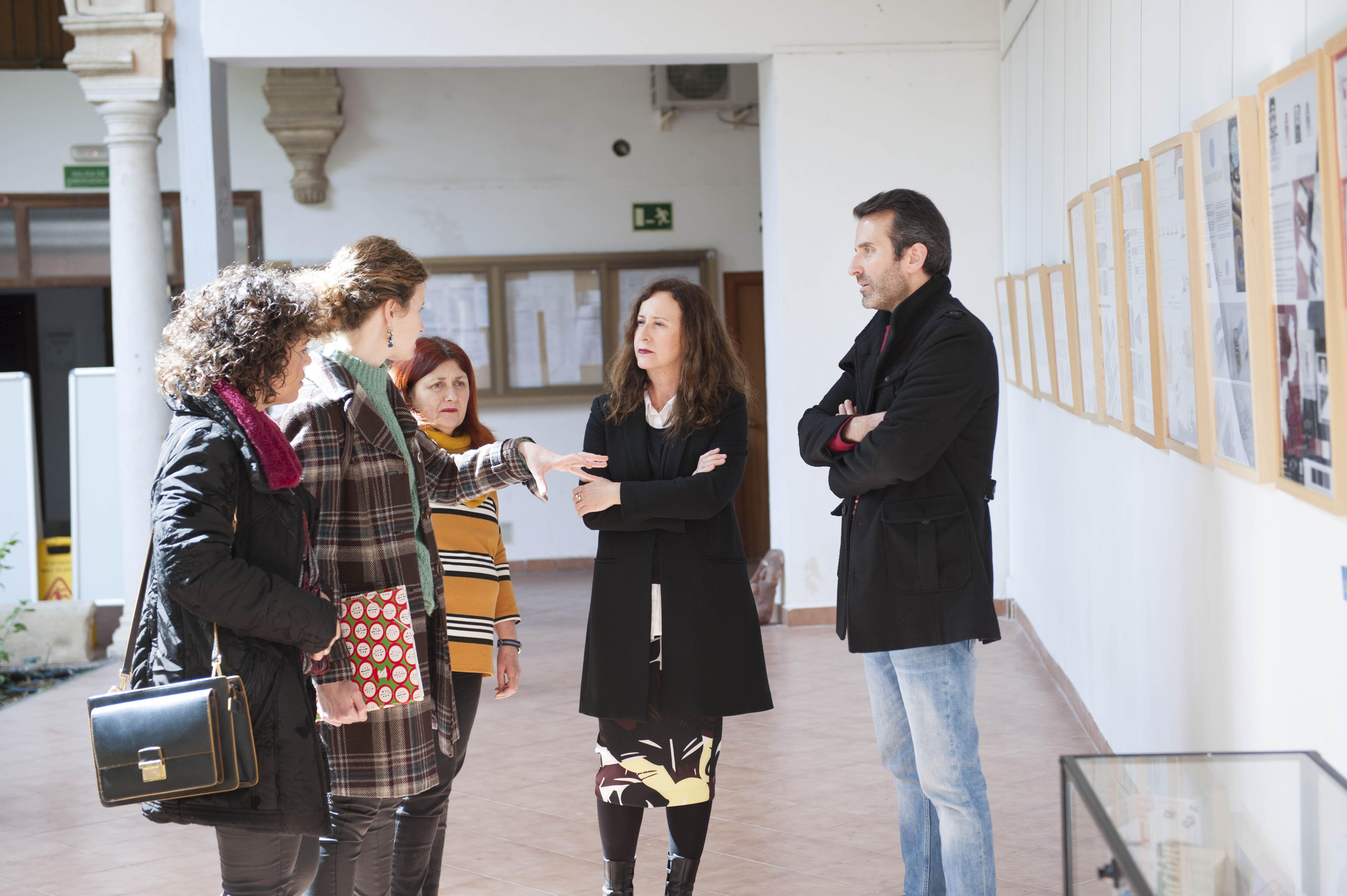 visita de la delegada de educación
