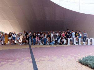 Los alumnos y alumnas de la Escuela de Arte de Jerez visitan CaixaForum en Sevilla
